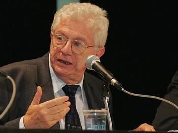 Simon Schwartzman (O Globo)
