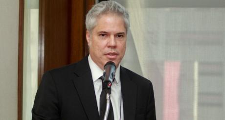 Carlos (nova)