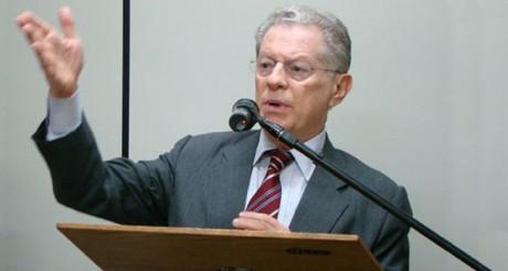 Arnaldo Niskier (nova)