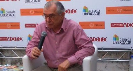 O cientista político José Álvaro Moisés. Flip 2015.