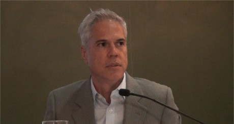 Carlos Pereira (na PUC)