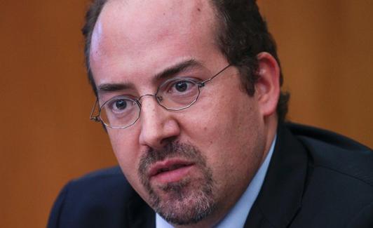 Alvaro Santos Pereira 8