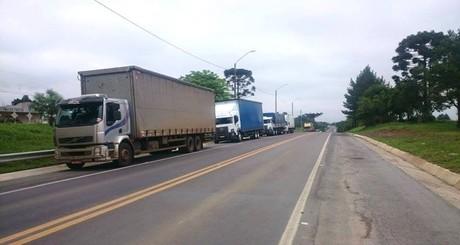 70-entidades-ligadas-ao-transporte-de-carga-pedem-renuncia-de-dilma-iloveimg-resized