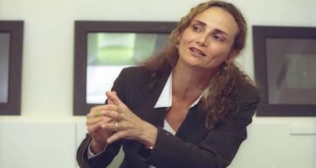 Elena-Landau-iloveimg-resized