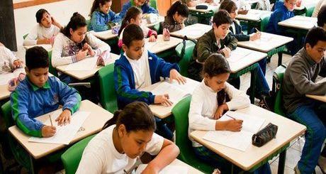 escola-alunos-iloveimg-cropped-iloveimg-resized
