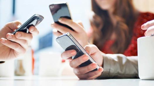 hands-phones_0