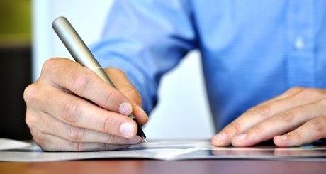 assinatura-decreto-documento-escrever-iloveimg-resized-iloveimg-cropped