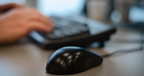 hands-desk-office-working-large-iloveimg-resized-iloveimg-cropped
