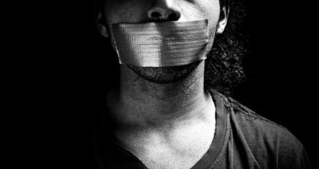 censura-liberdade-iloveimg-resized-iloveimg-cropped