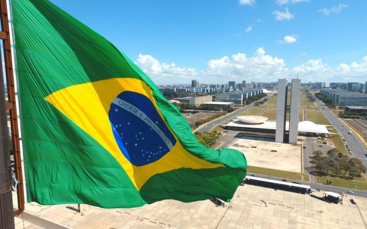 BRASILIA1 DF BSB 17/08/2017 NACIONAL  EXCLUSIVO EMBARGO ESPECIAL PARA DOMINGO Cerimonia de troca da bandeira Nacional, na Praca dos Tres Poderes, em Brasilia FOTO: DIDA SAMPAIO/ESTADAO